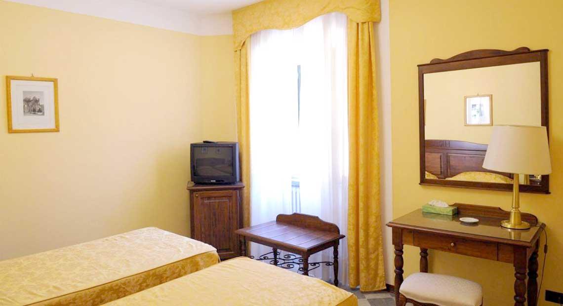 Camera con bagno Val di Lima, Lucca.