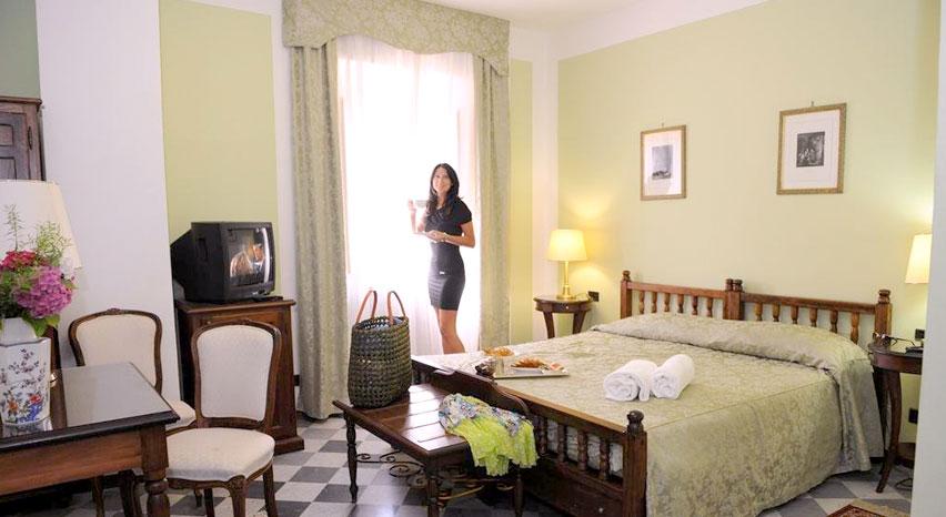 Camera in albergo con piscina. Bagni di Lucca.